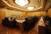 1月8日,我区市人大代表参加市十六届人大二次会议